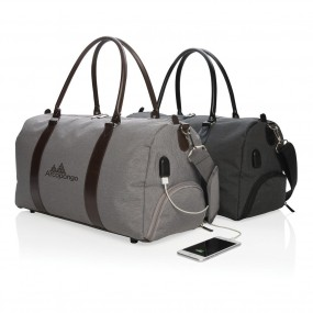 Weekend bag with USB output